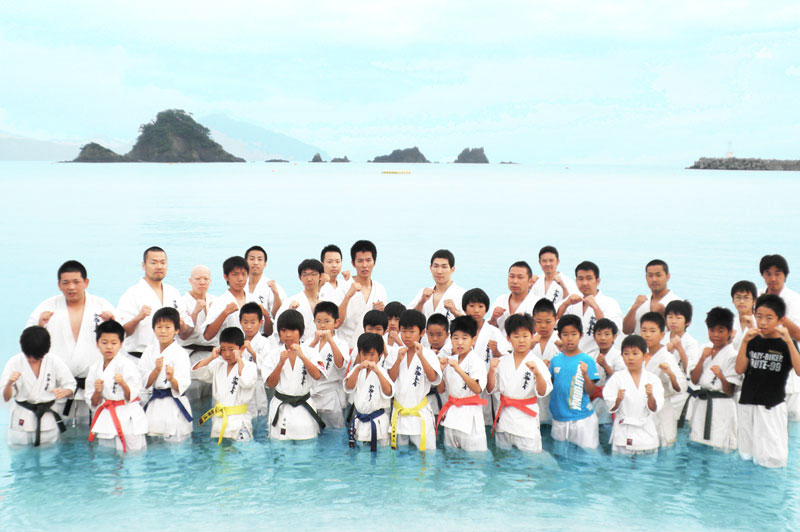 夏合宿 海で気合! とりゃーっ!!
